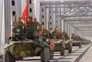 Defeated Soviet troops leaves Afghanistan